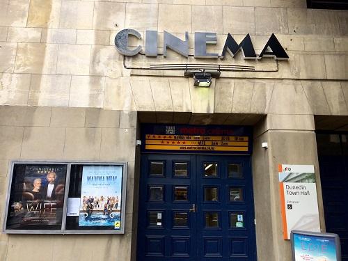 ダニーデン市庁舎 に併設の映画館