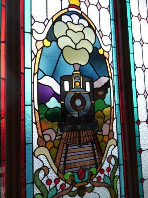 ダニーデン鉄道駅のステンドグラス