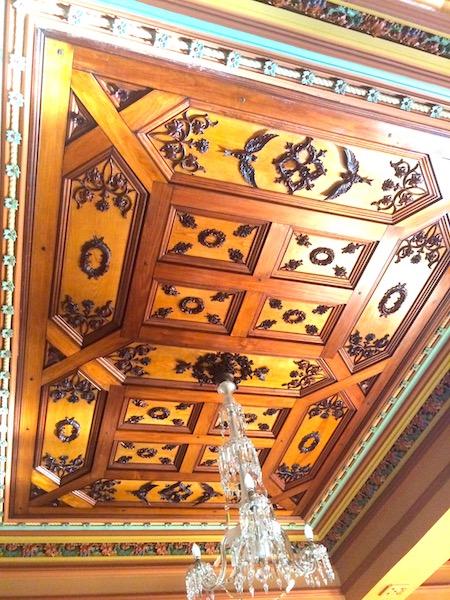 ラーナック城食堂の美しい天井