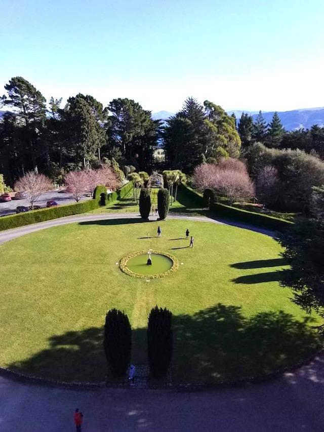 ラーナック城の美しい庭園