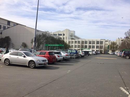 ダニーデンのカウントダウンセントラル 駐車場