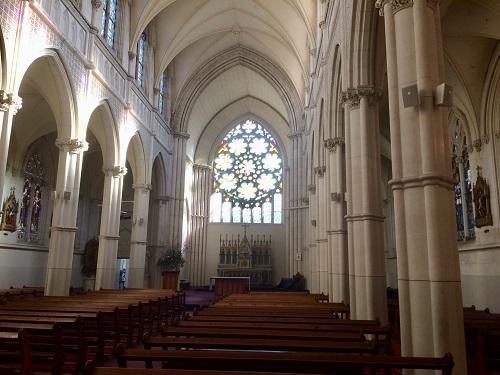 セント ジョセフ 大聖堂 内部 祭壇側