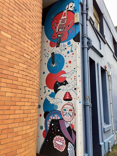 ダニーデンストリートアート 16 Vogel Street SAM OVENS