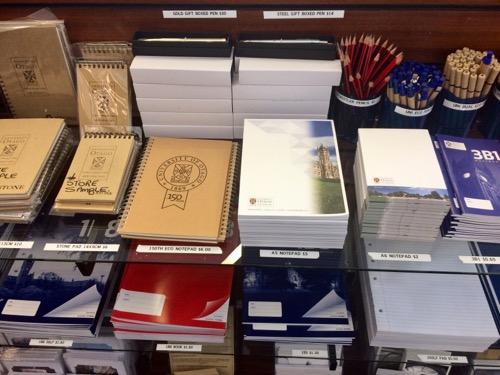 オタゴ大学 ビジターセンターで売っている文房具