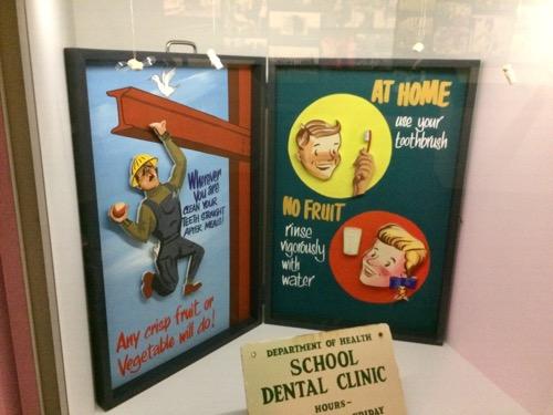 トイトゥ・オタゴ・セトラーズ・ミュージアム 歯に関するポスター