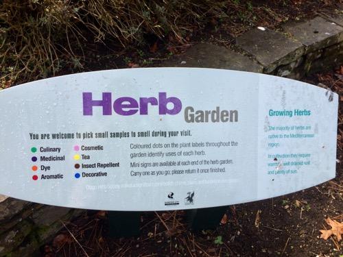 ダニーデン植物園 ハーブガーデン看板