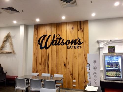ダニーデンのビーガンカフェWatson's Eatery 店内の看板