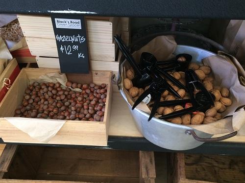 ニュージーランドダニーデンのカフェBlack's Road Green Grocer ナッツ