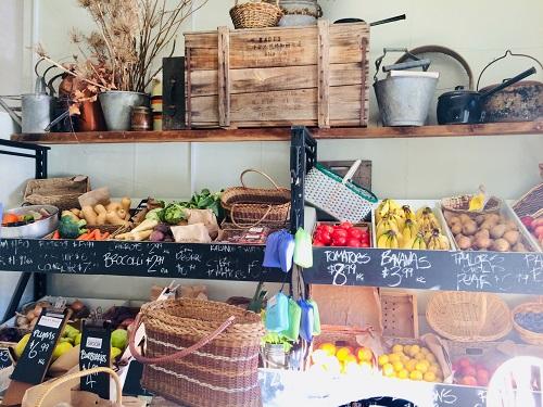 ニュージーランドダニーデンのカフェBlack's Road Green Grocery野菜売り場