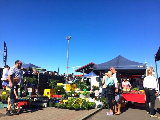 ダニーデンのサタデーマーケット 野菜や果物