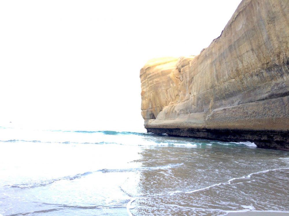 ダニーデントンネルビーチの波