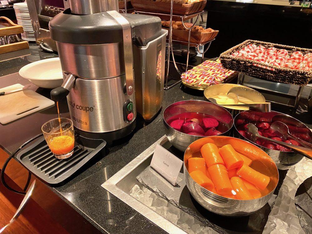 クラウンプラザ・クイーンズタウンの朝食自分で作るフレッシュジュース