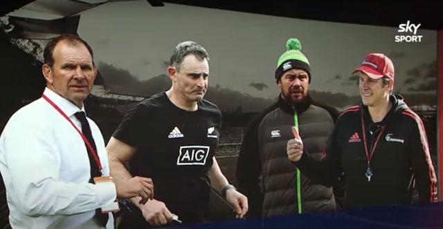 ニュージーランドラグビー北島チームと南島チームのコーチは誰?