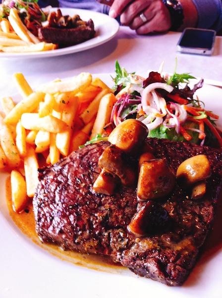 ニュージーランドバターのおいしいステーキガーリックソース