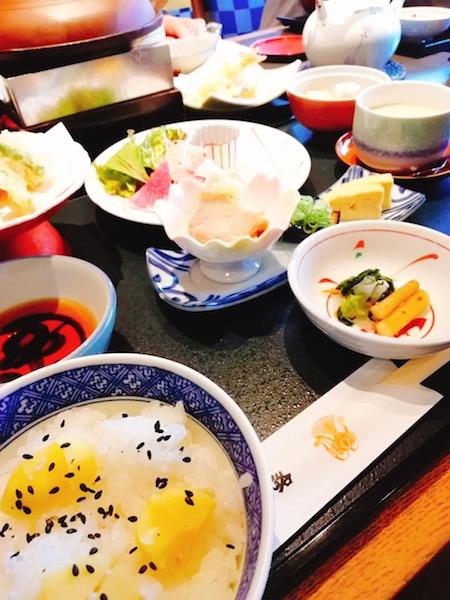 日本妄想旅行で和食を楽しむ