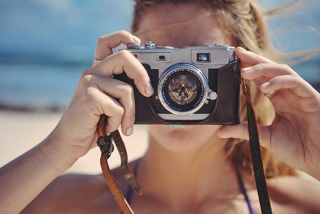 海外在住で収入を得る方法はストックフォトで写真を撮って売る